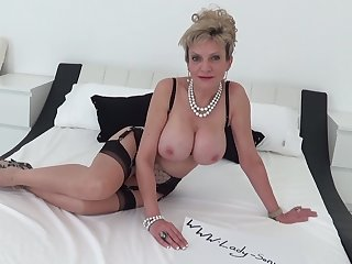 British mature Lady Sonia dirty talk and masturbating