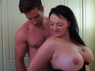 chubby milf Devon Breeze wants hard boner