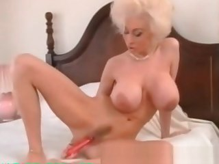 My Sexy Piercings Milf with ierced pussy lips labias