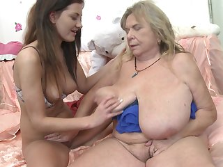 Mature lesbian granny Darla gets her pussy licked by Gabriella D.