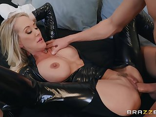 Popular MILF adult movie star Brandi Love Latex Fetish Porn