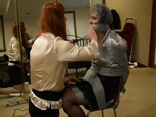Christine Tapes and Teases Ronni .....4-24-2019
