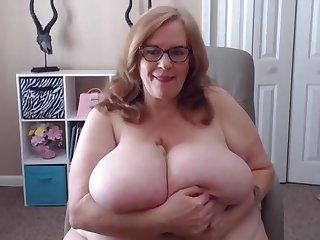 Wet BBW K tits Suzie.Unique webcam show