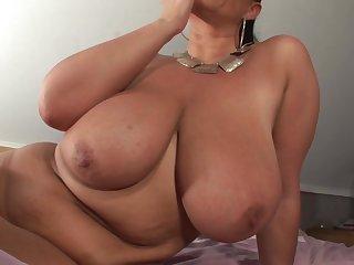 Big Hooters Mom Chayenne - chubbies