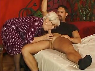 Old Cougar gets her pussy pumped by Young Stud