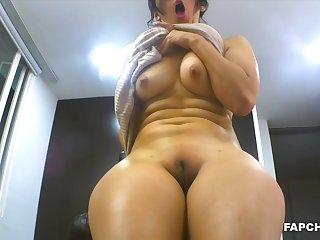 Gorgeous Mature Enjoys Vagina Rubbing High-Definition - amateurs