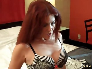 Hot mommy and her lover in amateur scene