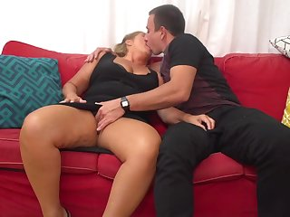 Giuliana is a mature whore who can not quagmire impede from having casual fuck-a-thon adventures