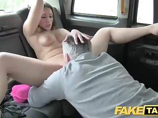 Super-Fucking-Hot honey is having nasty fuckfest in the back of a cab and enjoying it