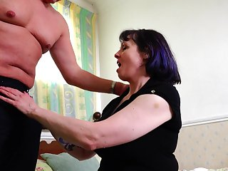 Mature short haired amateur Tigger pounded missionary style