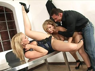 Lusty lady cop and a suspect share a hard dick